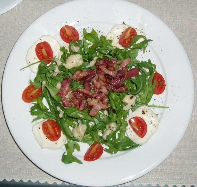 Metsämiehen salaatti - Insalata Cacciatore