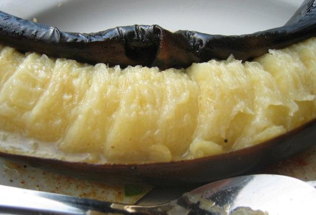Reseptikuva: Grillatut banaanit kanelikermalla ja siirapilla 1