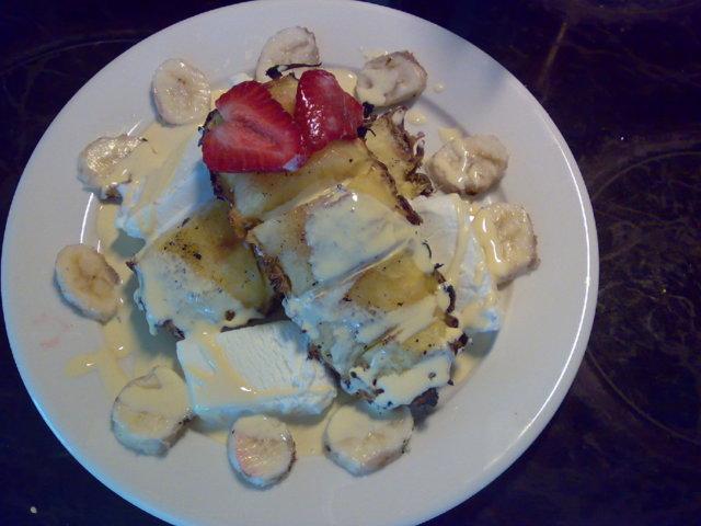 Nopea ananasjälkiruoka grillaten