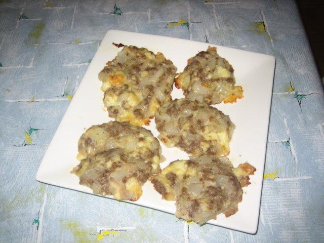 Juusto-jauhelihapihvit