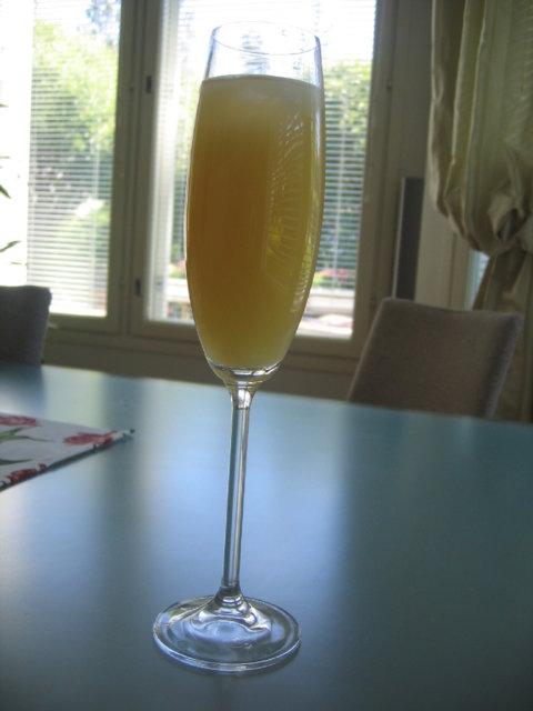Pommeau -tyyppinen drinkki 2
