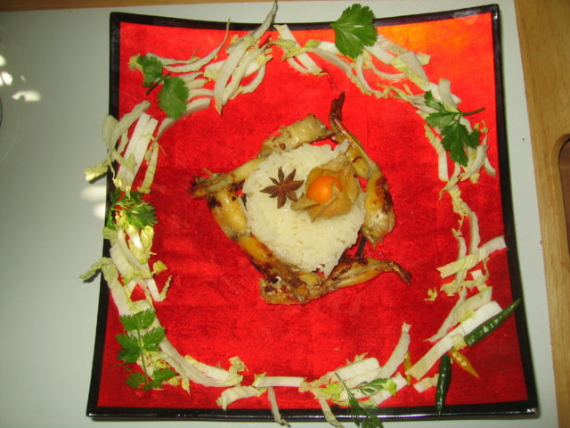Vietnamilaiset sammakonreidet - Đùi ếch xào sả ớt