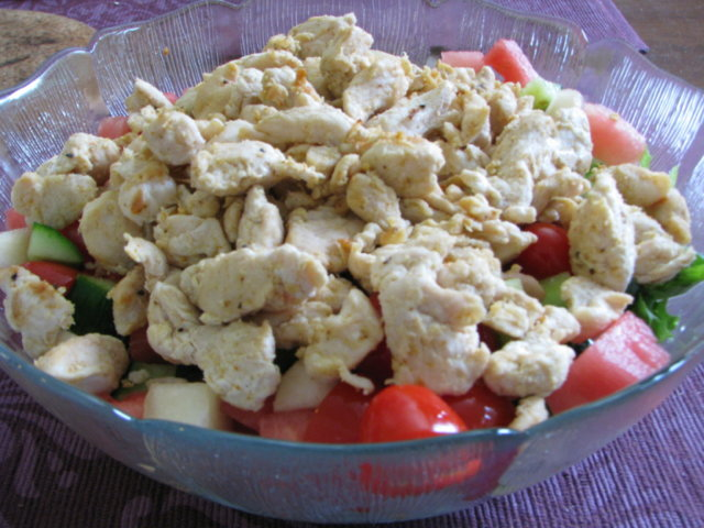 Raikas broileri mozzarella salaatti 2
