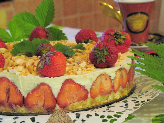 Mansikka - Appelsiinilikööri - Mascarpone Kakku