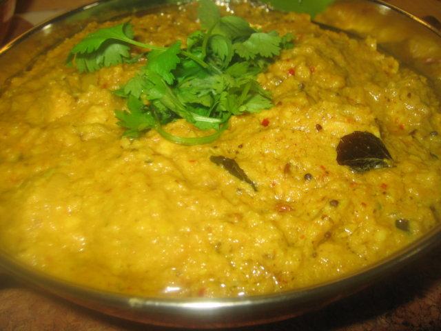 Reseptikuva: Kanaa pähkinäkastikkeessa - Khatti murgh ka salan 1