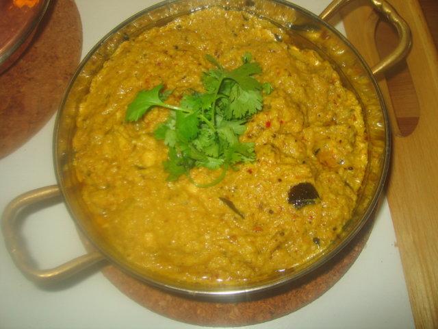 Reseptikuva: Kanaa pähkinäkastikkeessa - Khatti murgh ka salan 2