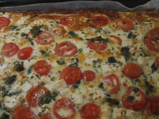 Reseptikuva: Feta-tomaattipiirakka (pellillinen) 1