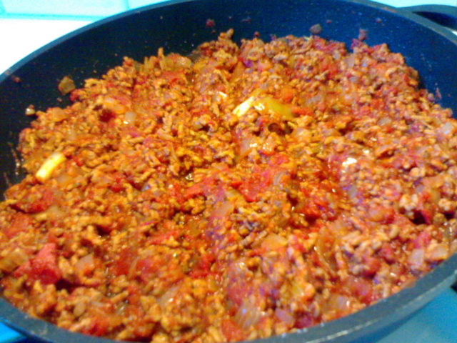 Jauheliha-tomaattikastike 1