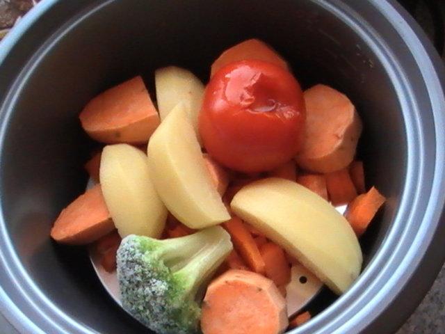 Paapon kasvissose tomaatilla 6 1