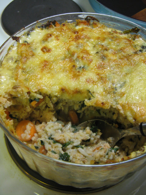 Kirjolohi-riisilaatikko