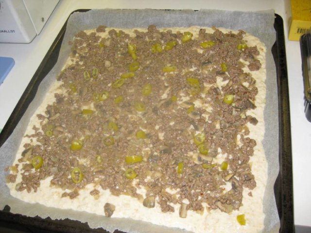 Jauheliha-sienipiirakka