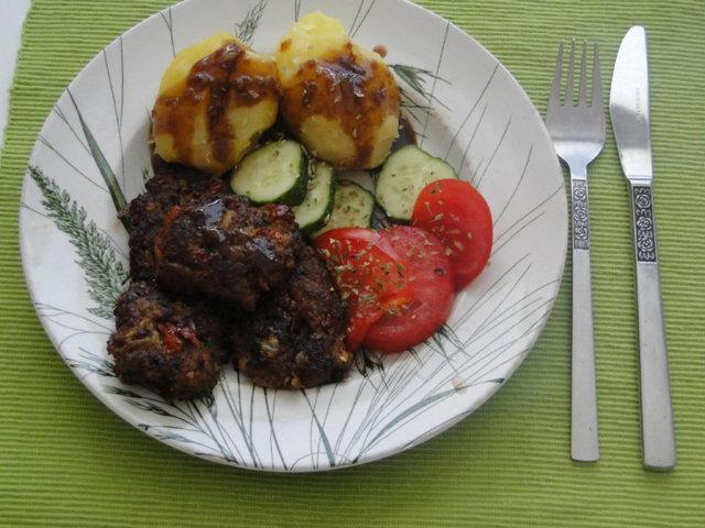 Tomaattiset jauhelihapihvit 1