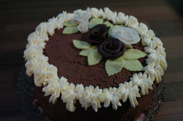 Mansikka-suklaakakku 1