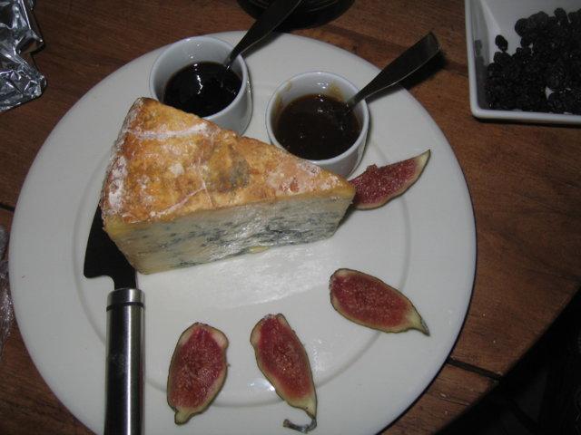 Klassinen juusto-viiniyhdistelmä 1