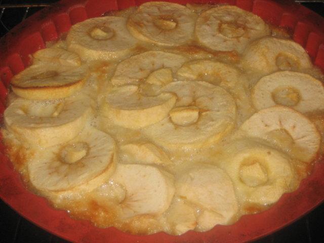 Mantelinen omenapiirakka 1