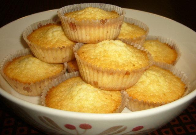 Sitruunamuffinit ilman vehnäjauhoja 1