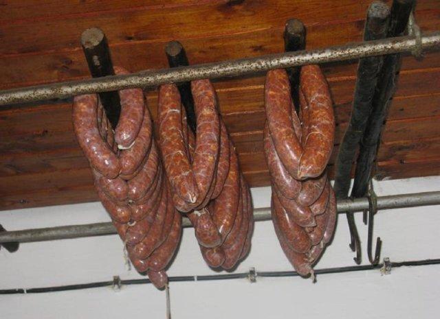 Reseptikuva: Klobása - mausteinen kokolihamakkara 1