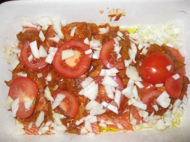 Uunilohta tomaattitonnikalalla 4