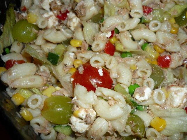Tonnikala salaatti 1