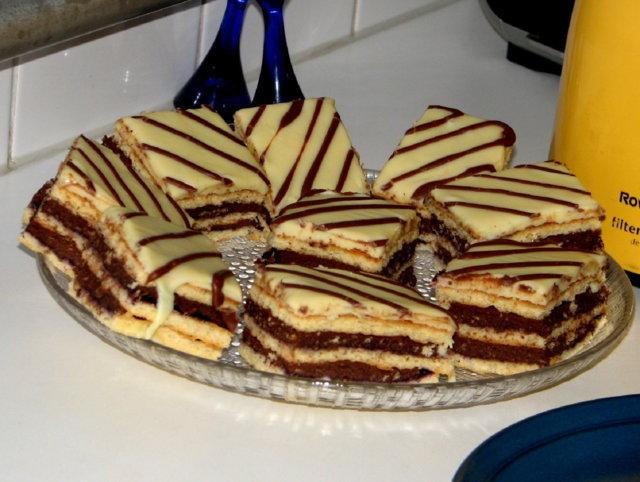 Reseptikuva: SuklaaRaitakakku tai Leivokset 12