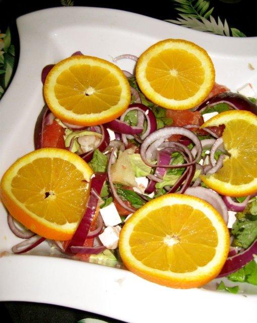 Appelsiini-fetasalaatti 1