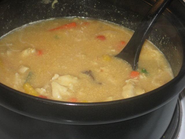 Kanakastiketta ja riisiä