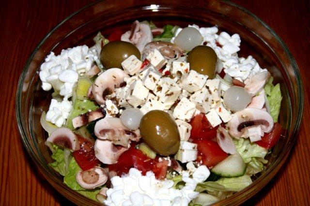 Reseptikuva: Keittiömestarin salaatti 1