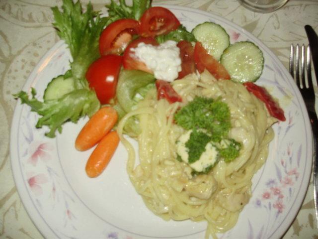 Reseptikuva: Spagetti Taipuu Juustolla ja Kanalla 1