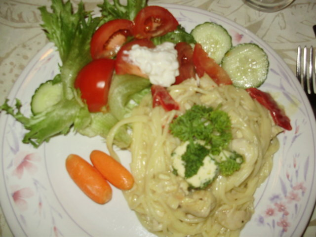 Reseptikuva: Spagetti Taipuu Juustolla ja Kanalla 7
