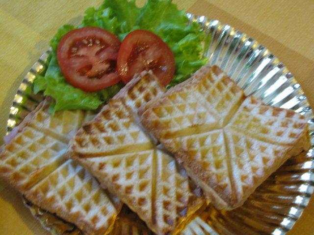 Reseptikuva: Vohveliraudalla voileipiä 4