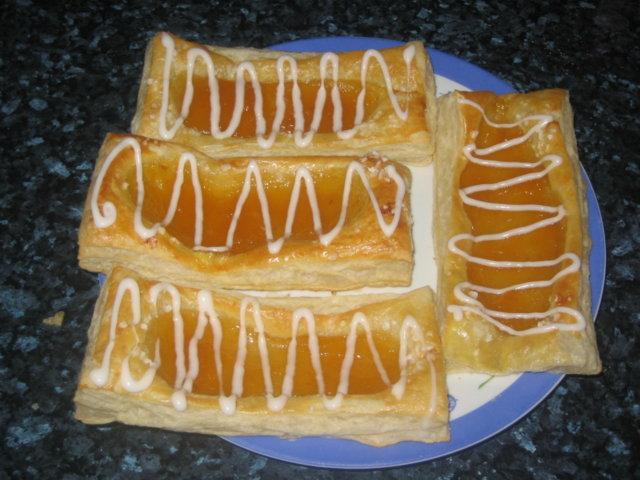 Isot Aprikoosiviinerit