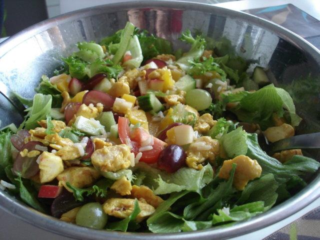 Reseptikuva: Hedelmäinen kanasalaatti 1
