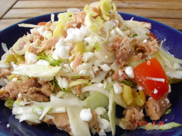 Tonnikala-Purjo Salaatti