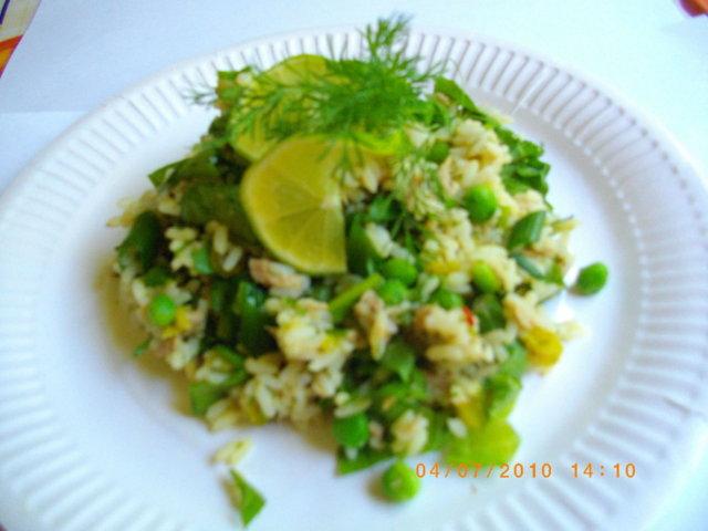 RiisiTonnikalaSalaatti