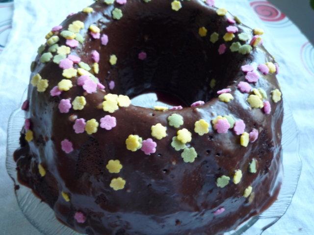 Kuorrutettu suklaakakku 1