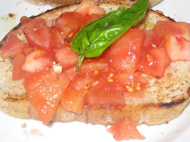 Espanjalaiset tomaattileivät