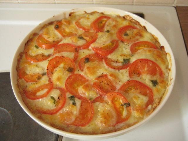 Reseptikuva: Tomaatti-Mozzarellapiiras 1