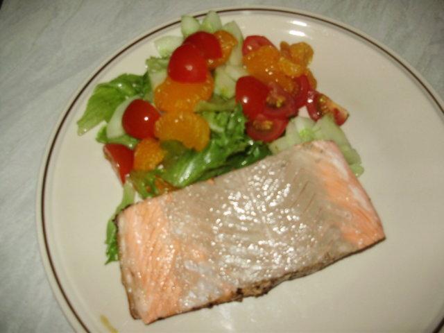 Grillattua Lohta ja Salaattia Lounaaksi 2