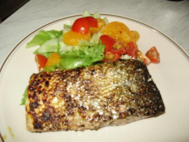 Grillattua Lohta ja Salaattia Lounaaksi 1