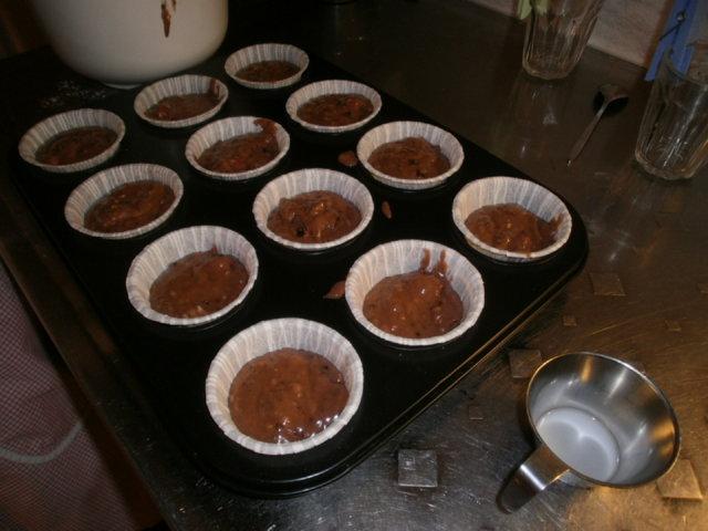 Suklaa-vadelmamuffinit 2