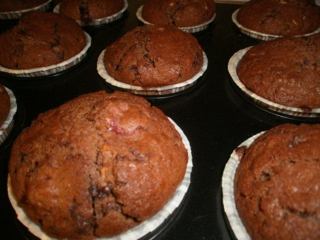 Suklaa-vadelmamuffinit 3