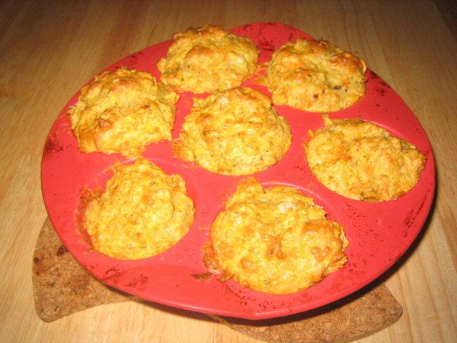 Tomaatti-Porkkana-Muffinit