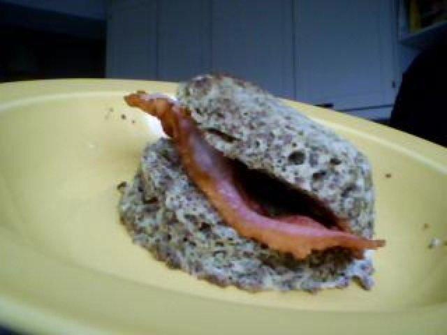 Reseptikuva: Amerikkalainen muffinisämpylä (egg muffin)[sopii karppaajalle] 1