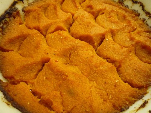 Porkkanalaatikko vähin hiilarein.