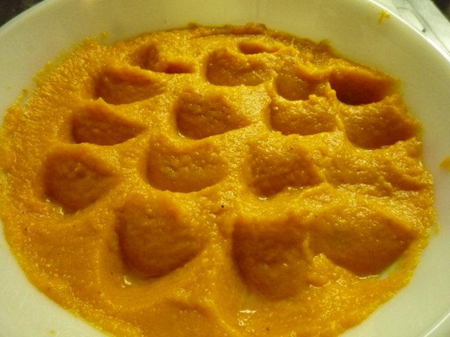 Porkkanalaatikko vähin hiilarein. 2
