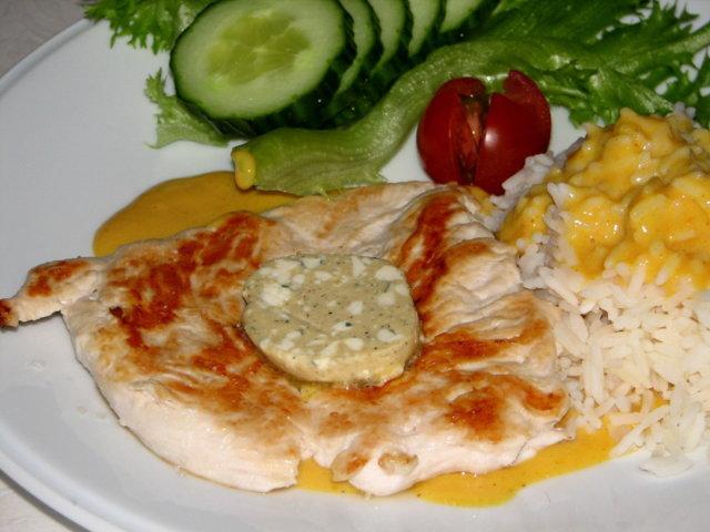 Broiler Pihvit  Currykastikkeella 3