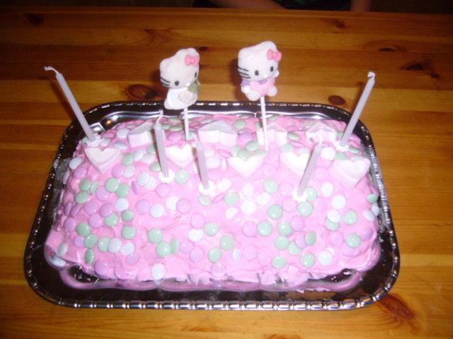 Hello Kitty - Jäätelökääretorttu 1