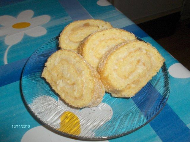 Reseptikuva: valkosuklaa omenahillo kääretorttu 1