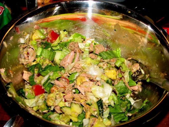 Reseptikuva: Avokado-Tonnikala Salaatti 3