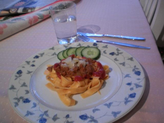 Helppo tonnikalakastike pastan kanssa